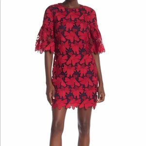 Tory Burch Half-Sleeve Lace Shift Dress in Red